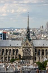 Пешеходная экскурсия по Латинскому кварталу с посещением Собора Парижской богоматери ( 2 часа)